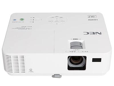 NEC CR3030H  投影尺寸:30-300英寸 屏幕比例:16:9 投影技术:DLP 投影机特性:3D 亮度:2800流明 对比度:8000:1 标准分辨率:1080P(1920*1080) 色彩数目:10.7亿色