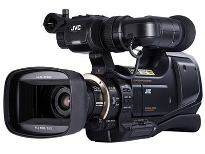 JVC  HM95 专业肩扛式高清数码摄像机 功能:触摸屏,高音质存储介质:闪存式类型:高端专业机身容量:其他像素:601万以上清晰度:HD高清变焦:15倍-30倍