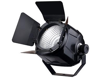 "COB纯白+暖白  YR-COB5002 ""工作电压:AC110V-240V,50/60HZ 额定功率:100W 灯珠功率:50W纯白+50W暖白 灯珠数量:1颗 频闪:0-20HZ 调光:标准模式+4种调光曲线 出光角度: 60度,可加挡光板改变角度 散热:风扇温控启动 噪音:1.5米外同环境噪音 控制信号:DMX512 控制通道:5CH/2CH 操作模式:DMX512、手动 净重:1.5KG"""