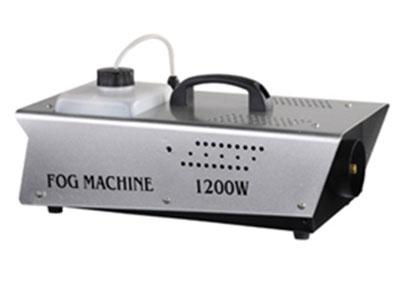 "1200W遥控烟机  YR-1200 ""产品名称:遥控烟机——1200W 产品型号:YR-1200 工作电压:AC110V-130V,220V-240V(可选) 频率:50/60Hz 电热棒功率:1200W(单U型×2) 预热时间:5-8分钟 出雾量:15000CUFT/MIN 喷烟距离:8m 容量:5公升 遥控距离:遥控器带LED,距离80米 尺寸(cm):48×26×26 毛重:6.5kg"""
