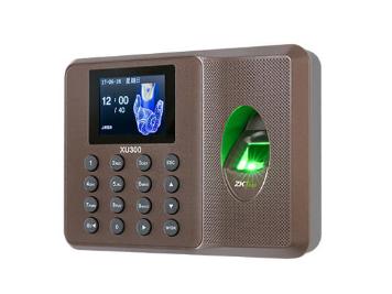 中控  指纹识别考勤终端XU300 采用2.4寸高清彩屏,超薄、简约的结构设计,突显时尚美观的造型,整机采用的倾角设计,符合人体工程学