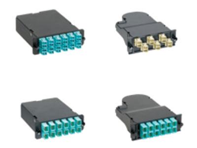预端接光纤插盒QuickNet Fiber Optical Cassette - MTP 标准:满足IEEE802.3ae最大信道损耗规范,即小于2.6dB。在850nm时支持网络传输速率达10Gbit/s,链路长度可达300m,向下兼容所有MPO预端接接口。 安装方式:在快捷型FAP/MTP光纤配线架内安装,与高密度MTP插孔式互连光缆连接,可在数分钟内将光纤系统部署到远端或数据中心内。 插盒类型:内置12芯或24芯光纤尾纤,消除现场连接器端接或熔接,显著减少安装时间和人工,工厂100\%装配和测试。 接口类型:背部集成有MTP预端接接口,正面自带LC或SC或ST或FJ光纤适配器。