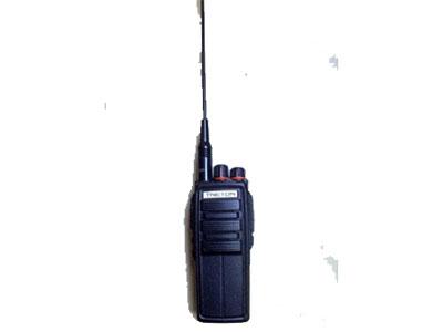 天翼通958 ◆16个信道,内置VOX/CTCSS/DCS,发送限时、自动监听  ◆繁忙信道禁发功能,静噪等级可设置                          ◆自动省电功能,超时定时器功能                                 ◆扫描功能及优先信道选中功能                                   ◆可选用中英文语音提示功能                                          ◆压扩使能键提高通话质量