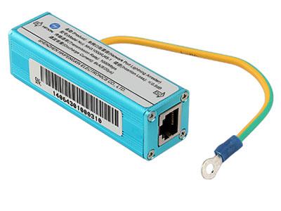 信锐  网口防雷器 1、支持1000Mbps速率传输,适用于千兆网络交换设备防雷保护;2、单网口多级防护,残压低,有效防护雷电感应电压、电流;3、限制电压精确,插损小,响应时间快,通流容量大;4、冲击耐受电压达4KV,可靠保护以太网交换机的输出端口;