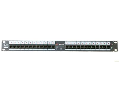 厚德纜勝  銅纜電子配線架 ◎1U提供24個孔位  ◎支持keystone型模塊  ◎每個孔位上方帶有LED,用于引導跳線  ◎配線架右側帶有紅綠色LED,指示配線架連接類型  ◎后部有PCB保護  ◎通過RJ45跳線連接管理設備  ◎匹配keystone型模塊
