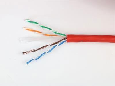 厚德纜勝  六類4對非屏蔽電纜 ◎ 通過CE、ROSH、FCC、REACH及國內信息產業部的認證。  ◎ 帶寬:≥250MHz(帶寬可擴展至350MHz)   ◎ 導體材料和直徑:無氧圓銅線(純度99.99\%)23AWG 0.57±0.02mm。  ◎采用了非屏蔽技術中性能最佳的十字隔離技術,使線纜在衰減、近端串擾等技術參數超過了最新六類標準的指標  ◎室外雙絞線采用PE外護套,適用于室外架空和管道使用,可以防止潮氣入侵