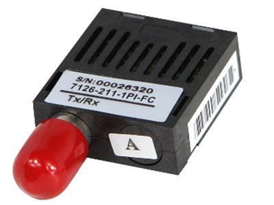 源拓  155米单光纤比迪1x9光收发机 l 1×9封装FC连接器   l 1310 nm FP TX/1550 nm PIN Rx和  l 1550 nm DFB TX/1310 nm PIN RX  l 用SMF传送20公里  l +3.3V单电源  l PECL兼容的数据输入/输出接口  l 低电磁干扰和良好的ESD保护  l 激光安全标准iec-60825兼容   l 与RoHS兼容