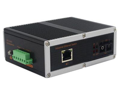 宇航光通   非网管工业交换机 百兆1光1电 YHR11F 百兆1光1电工业级以太网交换机产品符合 FCC、CE、ROHS 标准。此系列交换机具有 -40℃~ 85℃的工作温度, 具有超强的坚固度能适应各种严苛环境,也可以非常方便的安置在空间紧凑的控制箱中。导轨式的安装特性、宽温操作及拥有 IP40 防护等级的外壳及 LED 指示灯,使之成为一个即插即用的工业级设备,为用户的以太网设备联网提供可靠、便捷的解决方案。