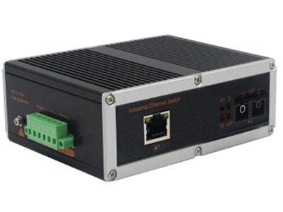 宇航光通   非网管工业交换机 千兆1光1电 YHD11G 千兆1光1电工业级以太网交换机产品符合 FCC、CE、ROHS 标准。此系列交换机具有 -40℃~ 85℃的工作温度, 具有超强的坚固度能适应各种严苛环境,也可以非常方便的安置在空间紧凑的控制箱中。导轨式的安装特性、宽温操作及拥有 IP40 防护等级的外壳及 LED 指示灯,使之成为一个即插即用的工业级设备,为用户的以太网设备联网提供可靠、便捷的解决方案。
