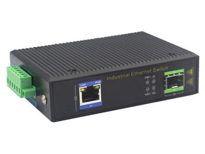 宇航光通  千兆1光1电SFP 非网管工业级交换机 ZXD11G-SFP 1路千兆电口+1路千兆FX光口工业级以太网交换机,支持1个10Base-T/100Base-T/1000Base-TX电口和1个1000Base-X光口。产品符合FCC、CE、ROHS标准。YHD11G系列交换机具有-40℃~85℃的工作温度,具有超强的坚固度能适应各种严苛环境,也可以非常方便的安置在空间紧凑的控制箱中。导轨的安装特性、宽温操作及拥有IP40防护等级的外壳及LED指示灯,使YHD11G成为一个即插即用的工业级设备,为用户的以太网设备联网提供可靠、便捷的解决方案。
