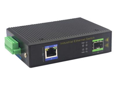 宇航光通  百兆1光1电SFP 非网管工业级PoE交换机 ZXR11FP-SFP 1路百兆POE电口+1路百兆FX光口工业级以太网POE交换机,支持1个10/100Base-TX电口和1个100Base-X光口。产品符合FCC、CE、ROHS标准。YHR11FP系列交换机具有-40℃~85℃的工作温度,具有超强的坚固度能适应各种严苛环境,也可以非常方便的安置在空间紧凑的控制箱中。导轨的安装特性、宽温操作及拥有IP40防护等级的外壳及LED指示灯,使YHR11FP成为一个即插即用的工业级设备,为用户的以太网设备联网提供可靠、便捷的解决方案。