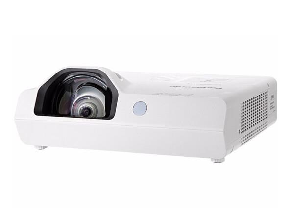 松下(Panasonic)PT-XW3383STC 短焦投影仪 投影机办公教育(高清宽屏 3400流明)
