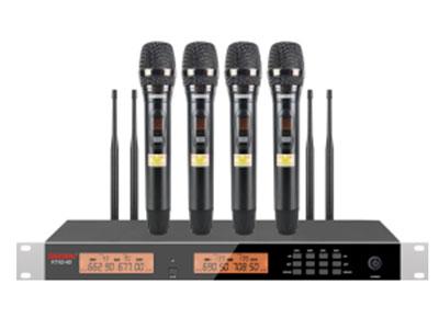 """特美声  KT43-40S一拖四手持 """"1.频率范围UHF 650.00MHz-709.70MHz频段 2.调制方式DQPSK 3.可调信道数200信道 4.信道间隔300KHz 5.振荡方式PLL锁相环频率合成 6.频率稳定度≤20ppm 7.动态范围 100dB 8.频率响应 20HZ-20KHz(±3dB) 9.综合信噪比≥96dB 10.综合失真度≤0.05\% 11.发射功率 ≤10dbm 12.接收灵敏度 96dbm 13.输出阻抗 1KΩ 14.工作距离 30m~100m  """""""