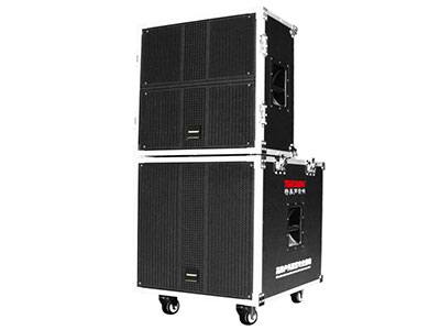 """特美声  GD18-04S """"喇叭尺寸:18寸低音,双10寸高音 定额功率:400W 电池容量:40A/12V  话筒:专用高端(U段)对频话筒。 功能:超大功率输出,带蓝牙、语音、录音、对频话筒、话筒优先、信号输入输出等、9位旋转独立调节,外接12V电源 适用场合:广场舞,户外演出,大中小商演,旅行聚会。"""""""