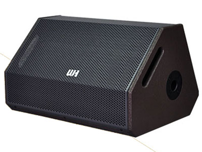 威皇 DX-12J 返聽音箱 1. 獨特的箱體結構設計,配合高功率高聲壓驅動單元; 2. 特殊獨有號角和獨特箱體結構適合舞臺返聽使用; 3. 人聲磁性豐富厚實飽滿,通透明亮柔和有力、 高還原度; 4. 中頻圓潤有力,高頻柔和細膩、低頻下潛飽滿彈性十足; 5. 舞臺返送近距離不產生話筒嘯叫,使用調試更簡單快速; 6. 箱體內部特殊加強結構,減少箱體的能量內耗。