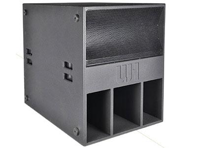 威皇 CL-18S+ 迷宮式單驅動遠程超低音箱;高強度板材配合無縫隙結合結構,低頻更結實自然;低頻強勁有力,飽滿富有彈性,下潛深且有力,高聲壓射程遠,配合線陣使用;采用高強度的特殊油漆,防滑耐磨、不變色、永久如新;通透干凈的超低頻包圍感和現場效果;自由組合成雙18寸配合線陣使用