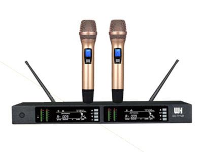 威皇 GH-777VIP專業無線麥克風 1.使用UHF740-790MHz頻段,避免干擾頻率。 2.采用數字導頻ID碼技術可同時一個場所使用100套,接收距離60米。 3.全自動紅外線對頻,使發射機與接收機自動同步收發。 4.采用鎖相環PLL頻率合成穩定系統,提供200個通道。 5.采用最新型高頻濾波器,最大限度地濾除帶外干擾信號。 6.采用二次變頻的高頻電路設計,具有極高的靈敏度。 7.多重靜噪控制電路,拒絕外部干擾。 8.專門設計的語音壓縮擴展電路,極大地提高信噪比。 9.獨特的電路設計,動態大,頻響寬,噪音小。 10.時