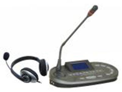 """澳雅声 6通道译员机A-7801E """"*全新数控化设计。 *采用耳罩式耳机监听发言。 *具有个人音量调节及自动啸叫功能 *具有同一通道互锁功能,确保通道与语种之间的一一对应。 *具有消咳功能,当翻译人员咳嗽时,可防止咳嗽声传出。 *当发言者发言速度过快时,可以按下请求按键(SLOW)要求发言者放缓讲话速度。 *具有间接翻译开关(REPLAY)。当翻译人员听不懂发言者的语言时,可通过监听其它翻译人员的译音再进行第二次翻译。 *可配合连接红外线语言分配系统使用。 *可让两位翻译人员轮流使用同一台翻译单元。 *可同时进行12种"""
