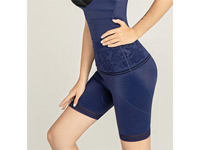 浪莎KINGSA QUEEN(金莎女王)美体裤 这是女王的世界 尺码:M、L、XL、2XL 颜色:黑色、宝蓝色、紫茶色 材质:提花琼丝丁、生物陶瓷、远红外理疗、托玛琳、纳倍洁 功能:暖宫塑形,亲肤贴身,收腹提臀,促进循环,能量养护