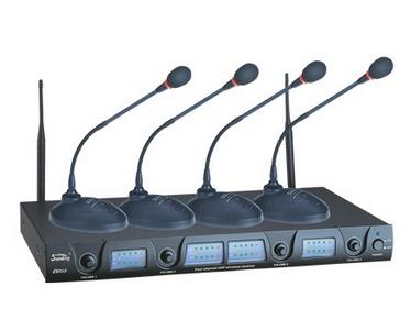 音王EW018/D 無線一拖四會議話筒 適用頻段范圍  600~870MHz 頻率穩定度  ±0.005\\% 頻率響應  50Hz-18kHz 接收靈敏度  >-95 dBm 失真度  90dB 發射功率  10mW 電源  AC或DC供電