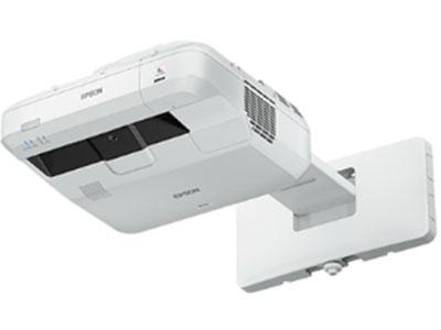 爱普生 CB-700U 激光光源,标准模式20000小时,78厘米可打130英寸,二路VGA/分量视频输入接口,一路RJ45网络接口;一路VGA输出接口,一路RS232控制端口.一路复合音视频接口,三路HDMI高清接口(1路支持MHL连接),三USB接口(B型USB投影接口,A型只读U盘接口、选配无线网卡) 一路麦克风输入接口