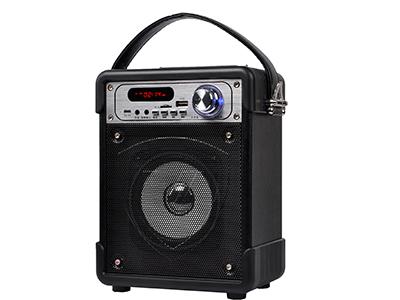 """万圣 K1 """"1,输出功率:5W 2,频率响应:100Hz-20KHz 3,信噪比:≥70dB 4,喇叭阻抗:4欧 5,喇叭尺寸:4寸 6,电源输入:DC5V                     7:3.7V1800mA                         8.产品尺寸:高225*宽173*深108mm """""""