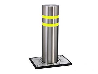 阿丽塔 升降柱 1、步行街:步行街路口安装电动升降柱,平时路障处于升起状态,限制车辆进出,如遇紧急或特殊情况(如火灾,急救,领导视察等)可迅速降下路障,以便车辆通行。 2、道路隔离带:在非全封闭式道路隔离带中可采用升降式路障,平时阻止车辆左转或掉头行驶。如遇道路施工,道路阻塞等特殊情况,可放下路障,使车辆改道通行。 3、小区,银行,学校等限制车辆进入的场所及保证消防通道的有效使用。