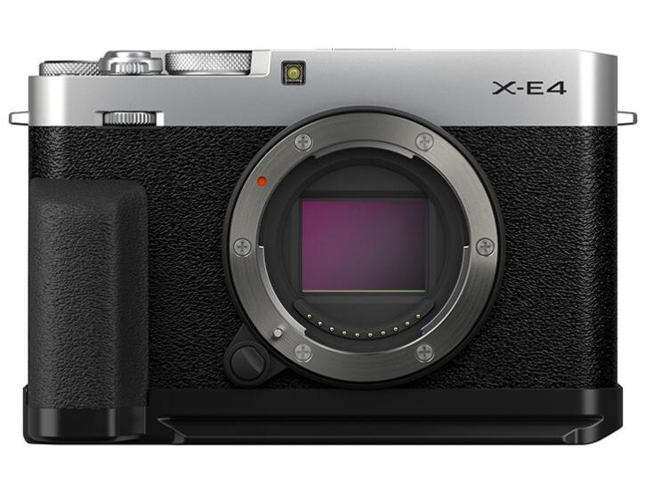 富士(FUJIFILM)X-E4/XE4 微单相机 手柄套机 银色 2610万像素 4K视频 180度翻转自拍屏