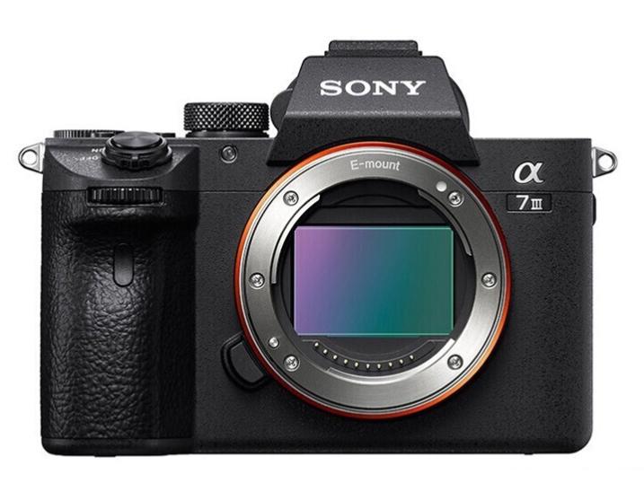 索尼(SONY)Alpha 7 III 机身(a7M3/A73/ILCE-7M3)全画幅微单数码相机 (约2420万有效像素 5轴防抖 )