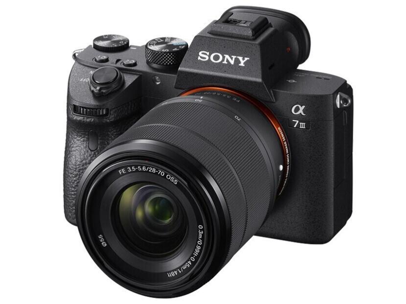索尼(SONY)Alpha 7 III(7M3K)全画幅微单数码相机 标准套装(约2420万有效像素 5轴防抖 a7M3K/A73)